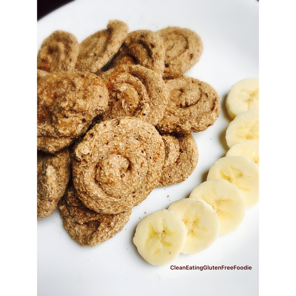 Banana Cinnamon Oatmeal Cookie